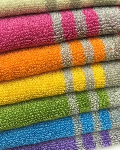 スポーツタオル スライ なないろ(虹色)から選んだスポーツタオルで子供達の部活を応援